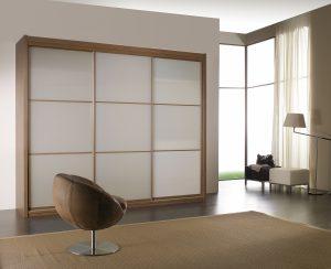 Armario de tres puertas correderas modelo japonés