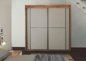 Contrasta colores entre las puertas y el frente de armari