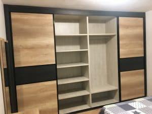 Interior de armario de 4 cuerpos